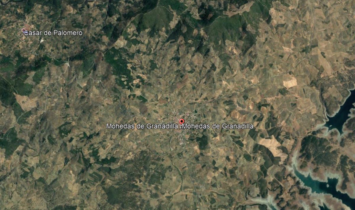 Un hombre herido tras volcar su tractor en una finca entre Mohedas de Granadilla y Casar de Palomero