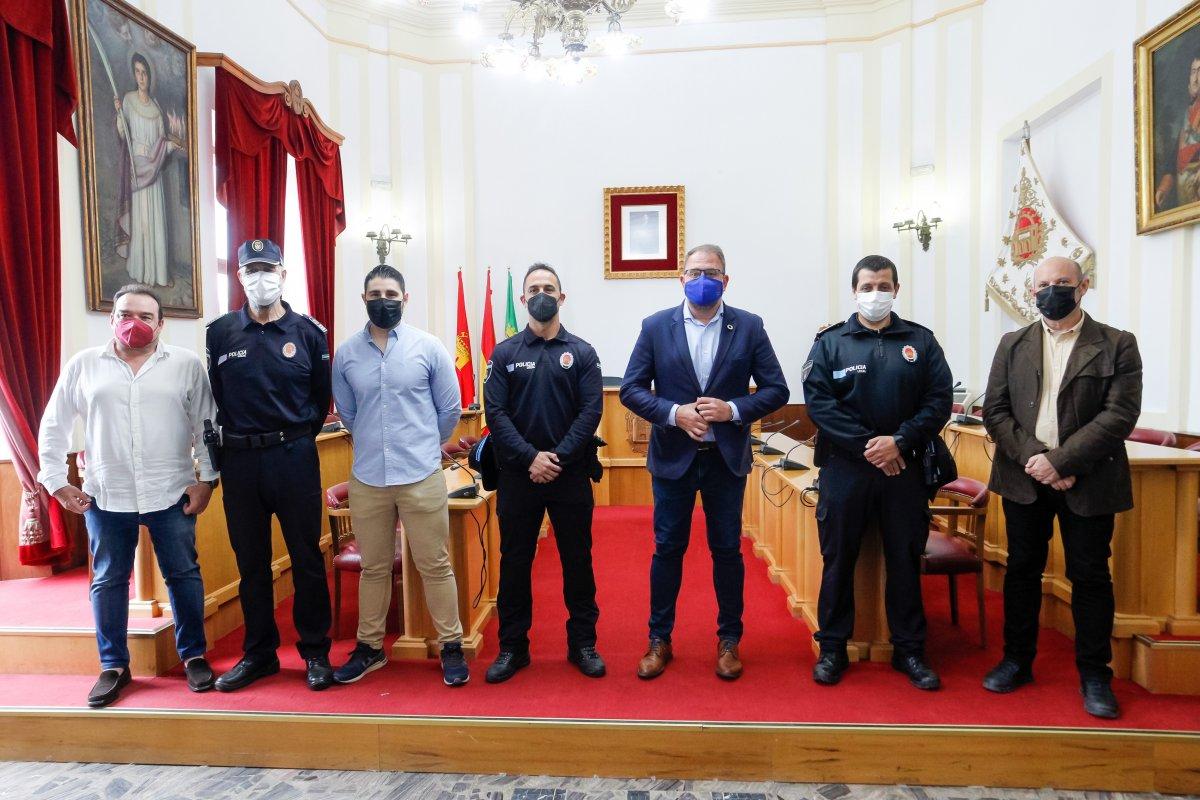 Mérida aumenta la seguridad ciudadana con la incorporación de tres nuevos agentes de la Policía Local