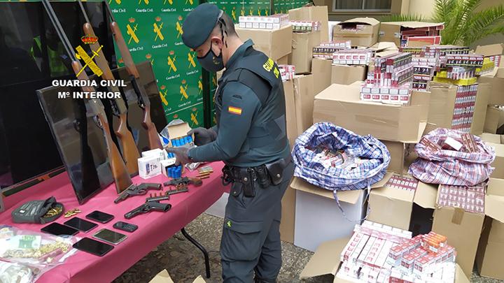 La Guardia Civil detiene a 10 personas en Badajoz dedicadas al contrabando de tabaco y blanqueo de capitales