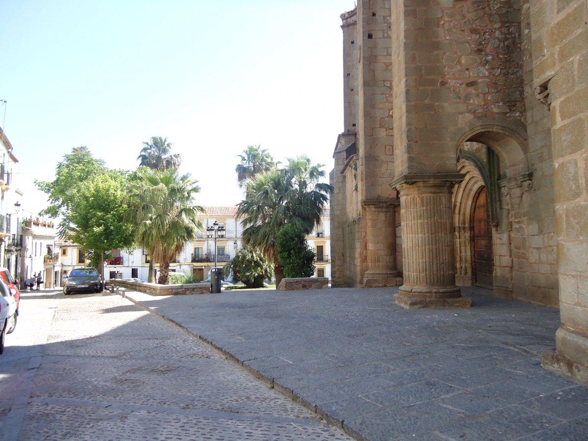 Un concurso de ideas permitirá remodelar la Plaza de Santiago de Cáceres