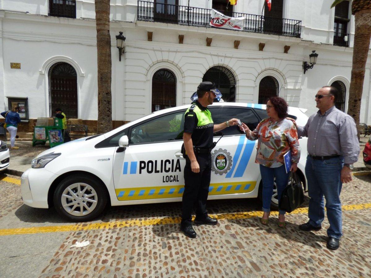 Reconocimiento a la labor policial de dos vecinos de Llerena que salvaron la vida a un joven ahorcado