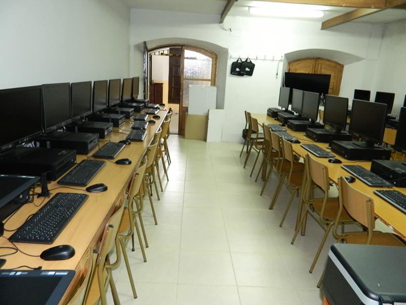 Crecen las aulas en cuarentena en Extremadura que cierra 12 clases más en 24 horas