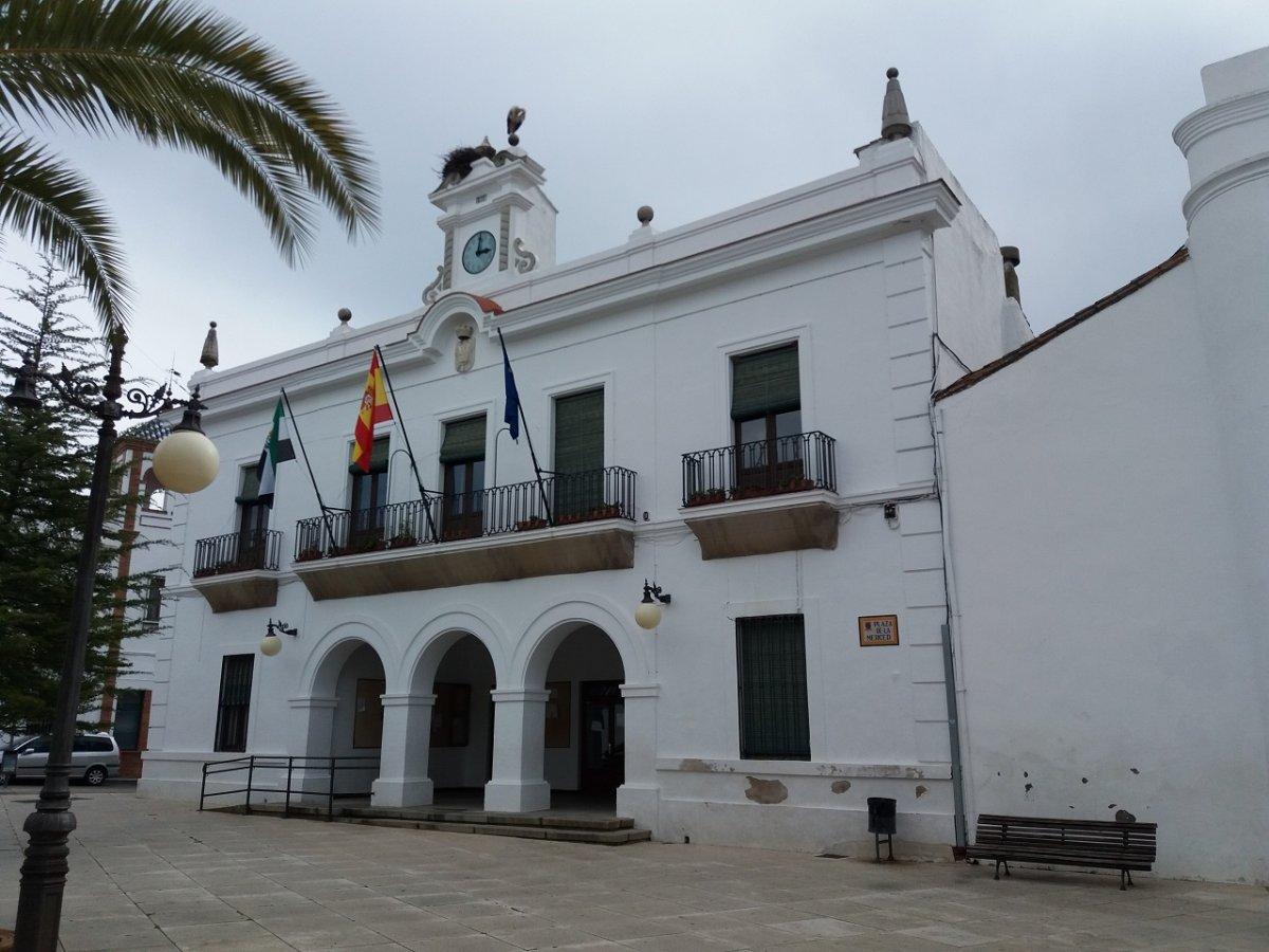 Oliva de Mérida y Azuaga suman nuevos brotes que tienen en cuarentena a más de 80 personas