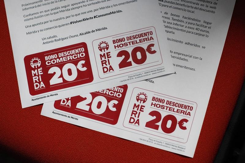 El alcalde de Mérida anuncia que 369 empresas se beneficiarán de los bonos de consumo