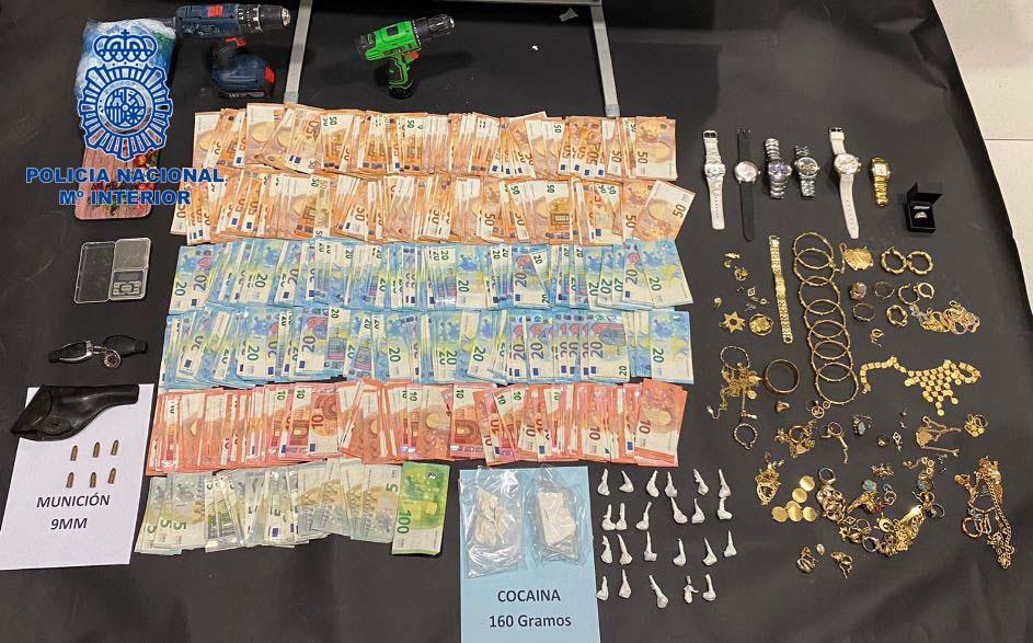 Ingresa en prisión una pareja por tráfico de drogas en Cáceres
