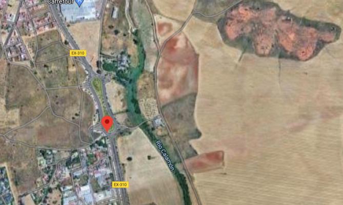 Trasladado al Hospital Universitario un hombre de 78 años tras ser atropellado en Badajoz