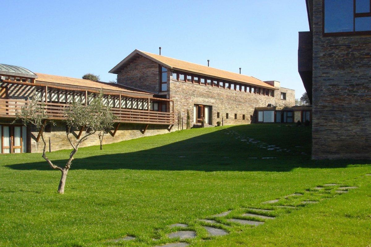Los viajeros ya pueden hacer sus reservas en la red de Hospederías de Extremadura que reabren sus puertas