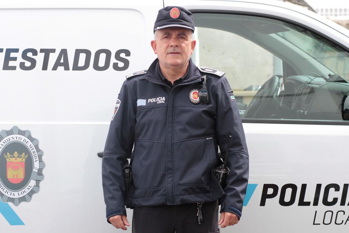 El subinspector de la Policía Local de Mérida recibe la Medalla al Mérito de Extremadura