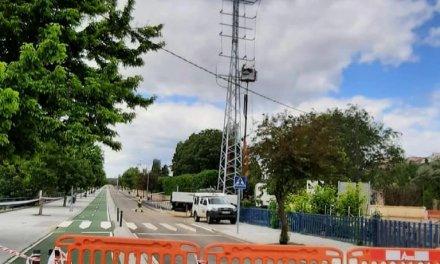 Coria pone fin a los cables de alta tensión que cruzaban el Paseo de La Isla