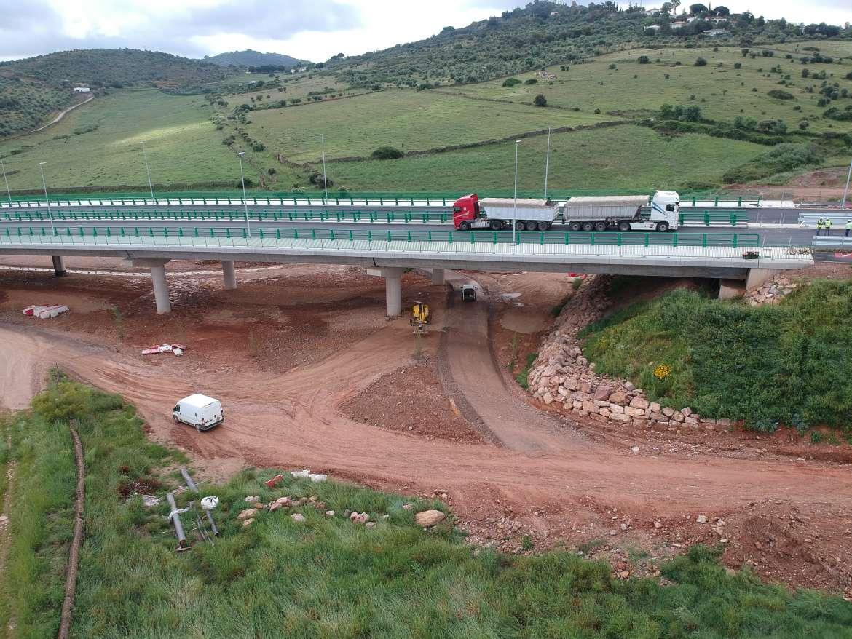 Comienza la prueba de carga en el viaducto de Valdeflores de la Ronda Sureste de Cáceres