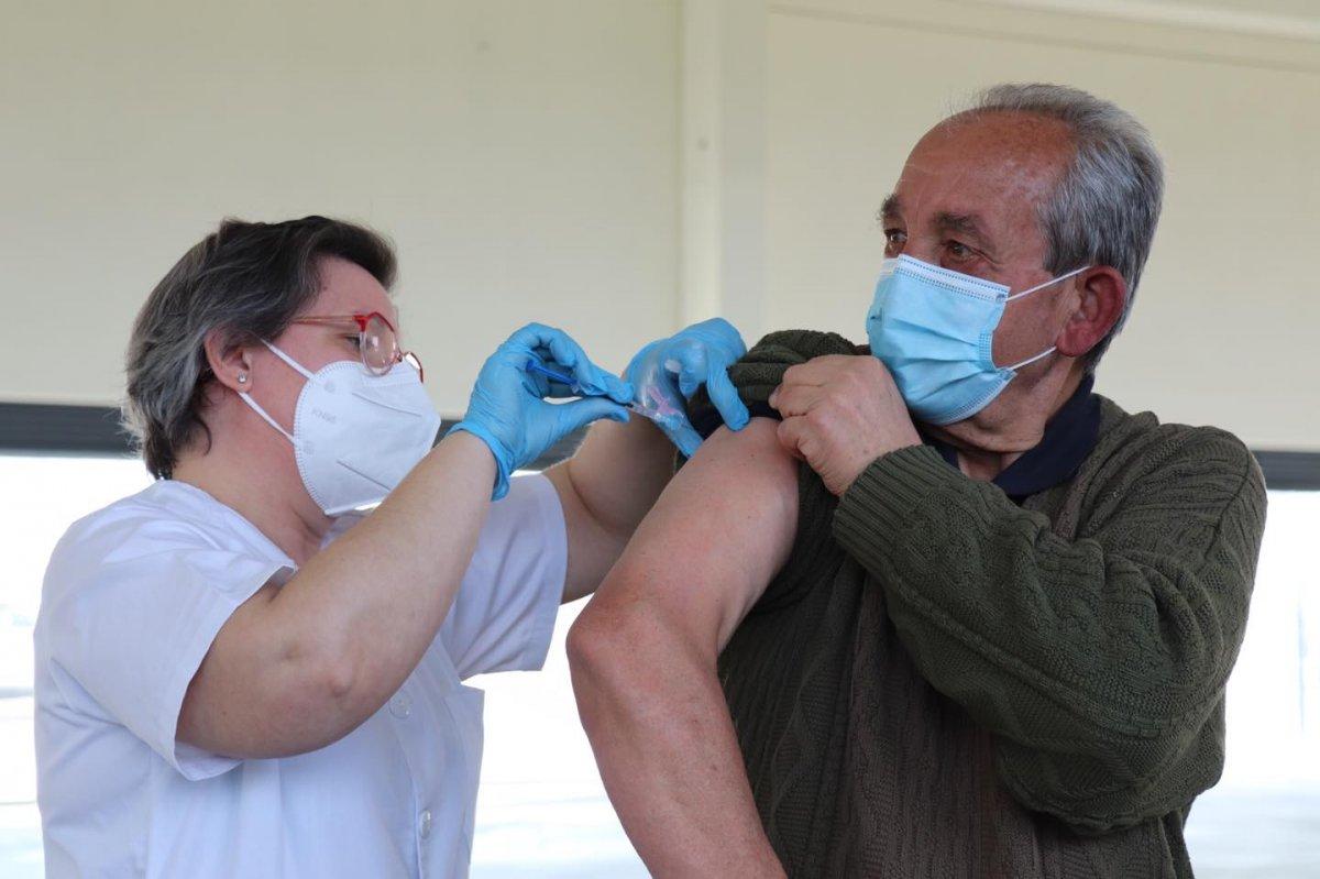 Podemos Extremadura le pide a Vergeles fecha de vacunación de la segunda dosis de AstraZeneca