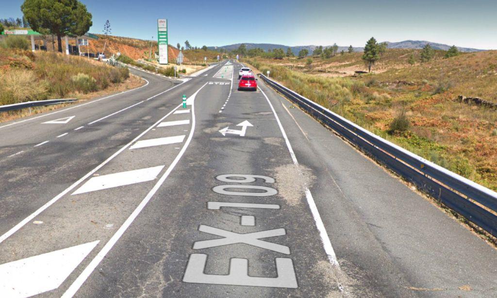 Un motorista es trasladado grave al Hospital de Coria tras sufrir un accidente en Perales del Puerto