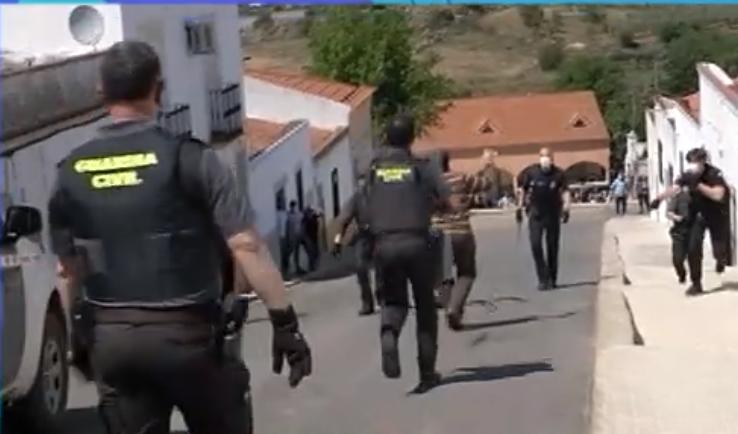 Última hora: Hallan en su vivienda los cadáveres de los dos hermanos del detenido en Los Santos de Maimona