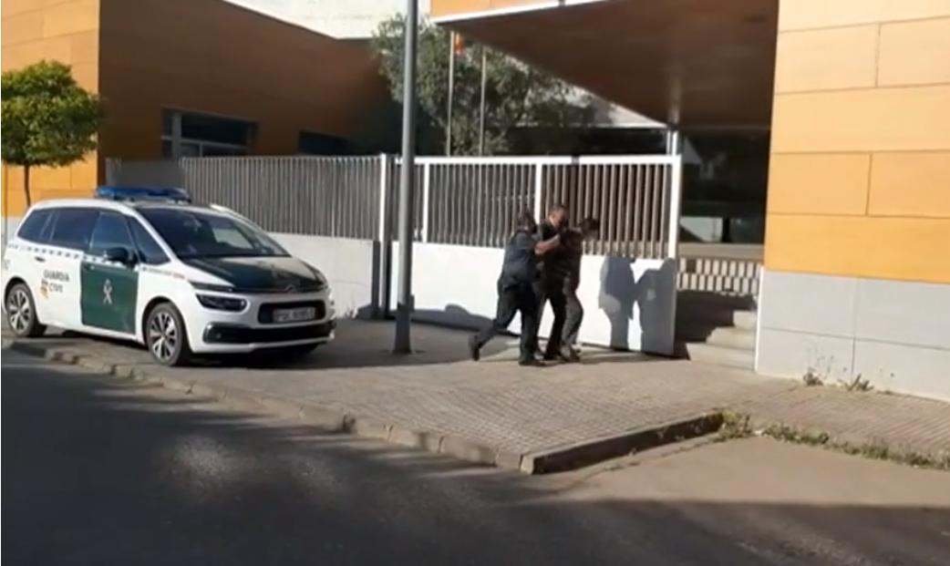 Prisión provisional y sin fianza para el presunto asesino de sus hermanos en Los Santos de Maimona