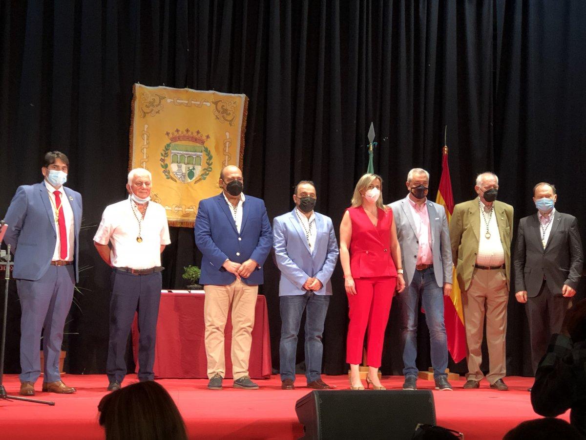 Entrega de la medalla de Talayuela a los alcaldes de la democracia
