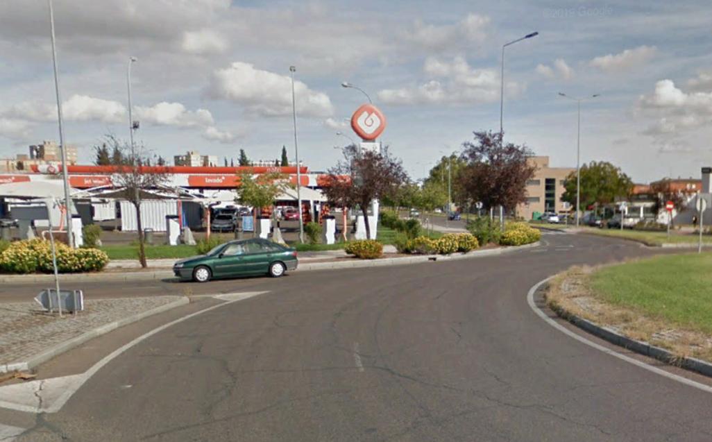 Una joven de 23 años resulta herida en un accidente en la Avenida de Elvas de Badajoz