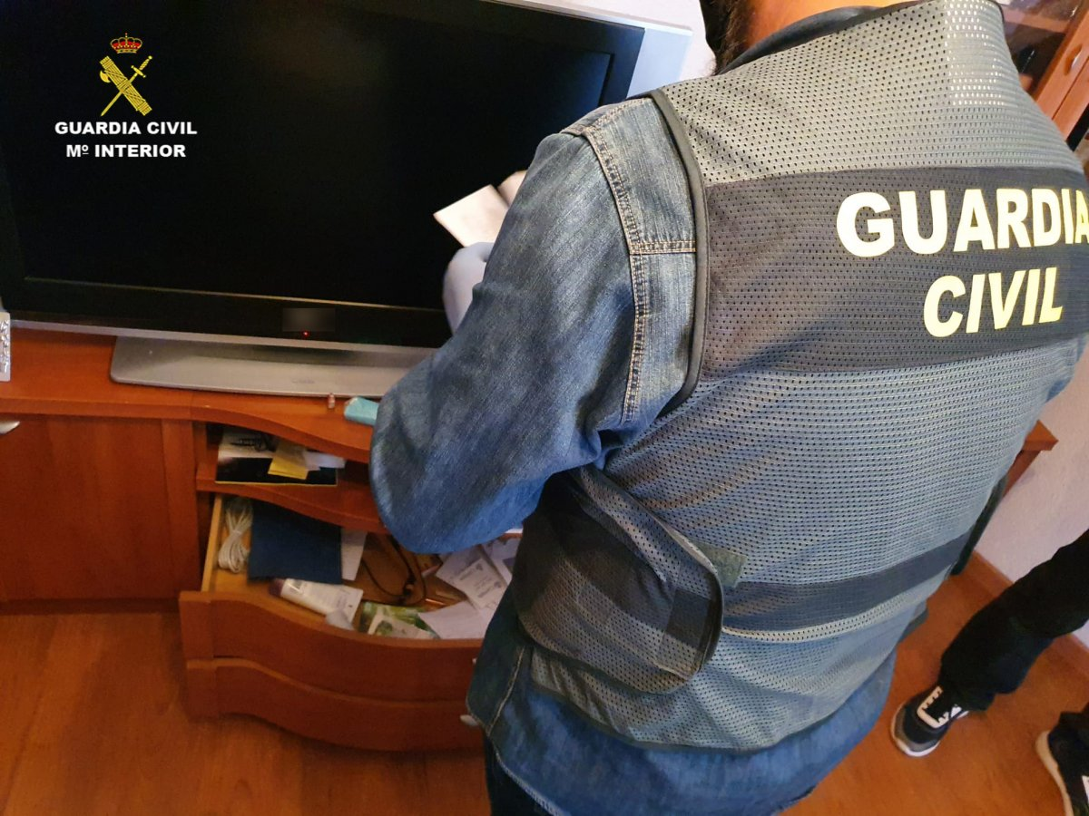 Detienen en Moraleja a dos personas acusadas de estafar 35.000 euros a un exmilitar francés