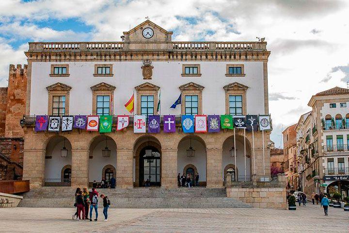 Abierto el plazo para acceder a una de las 15 plazas del empleados públicos del Ayuntamiento de Cáceres