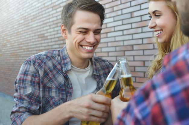 Los controles de consumo de alcohol  en la calle se intensifican este fin de semana ante el fin del estado de alarma