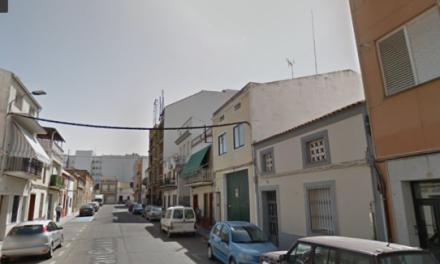 Dos personas sufren un ataque de ansiedad y otra resulta herida en un incendio en Don Benito