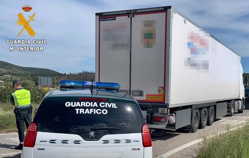 Investigan al conductor de un camión que circulaba bajo la influencia de drogas tóxicas