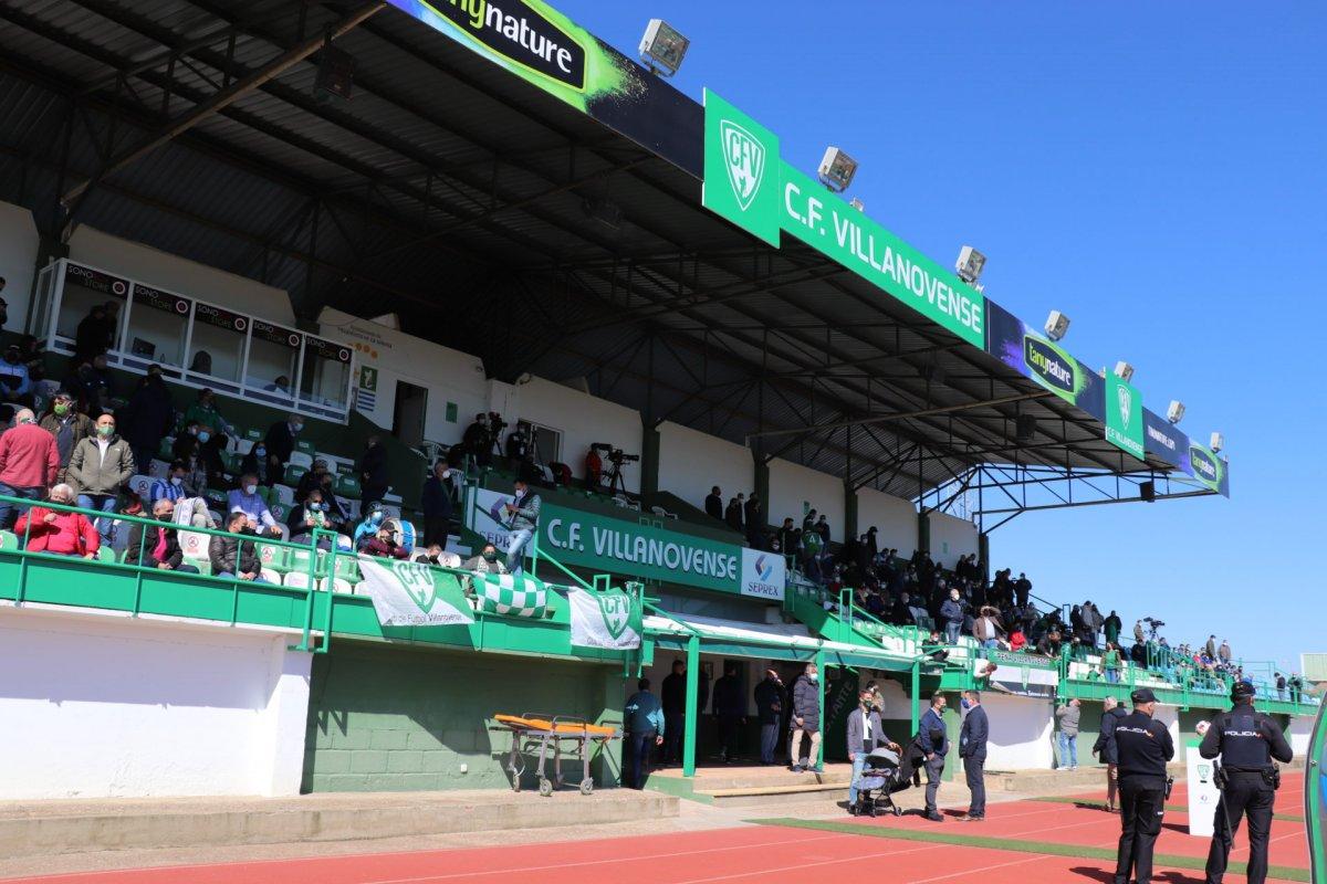 Convocan un concurso de ideas para reformar el estadio del Villanovense