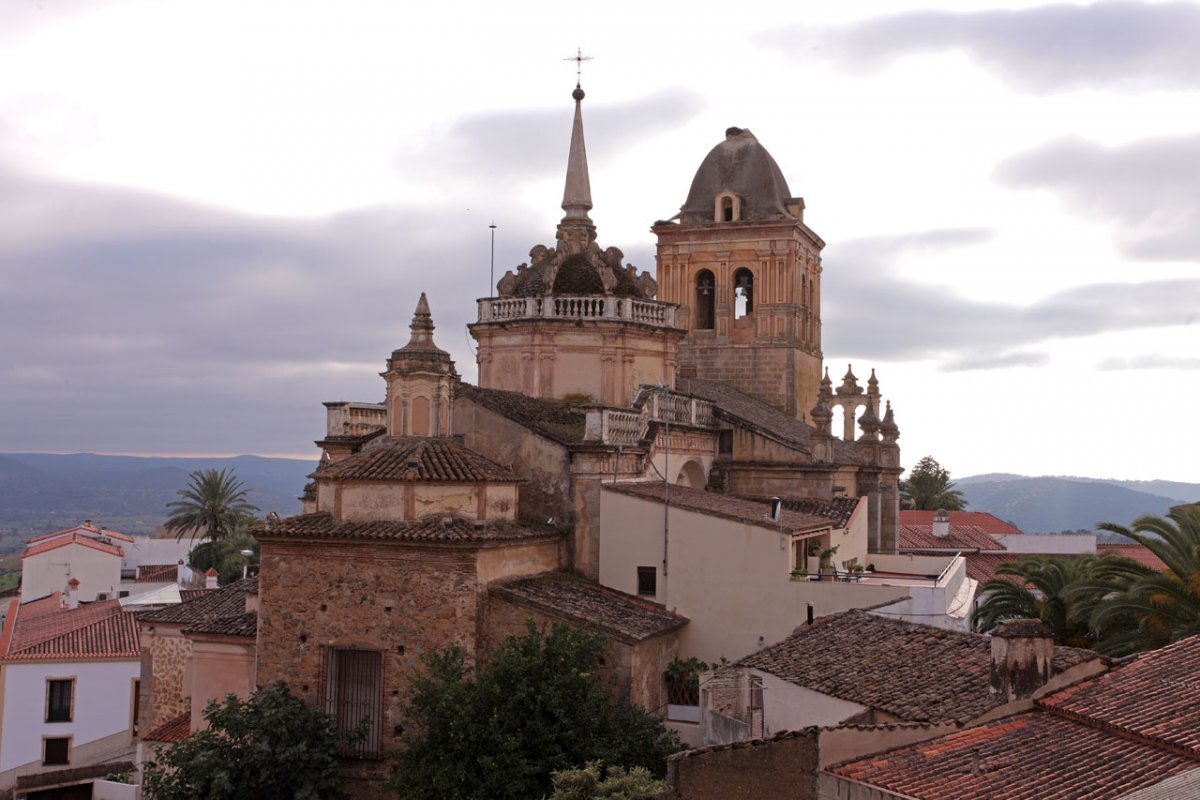 El TSJEx ratifica los cierres perimetrales de Jerez de los Caballeros y Arroyo de San Serván