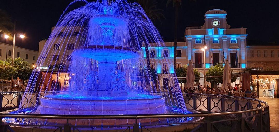 Varios zonas de Mérida se iluminarán de azul y púrpura por los enfermos de Huntington