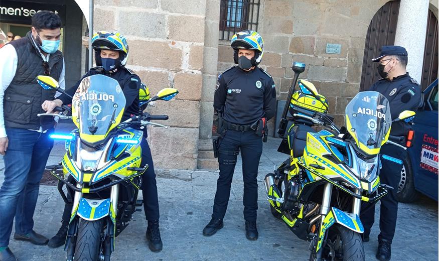 Agentes de la Policía Local de Plasencia patrullarán en bicicleta eléctrica para ganar agilidad