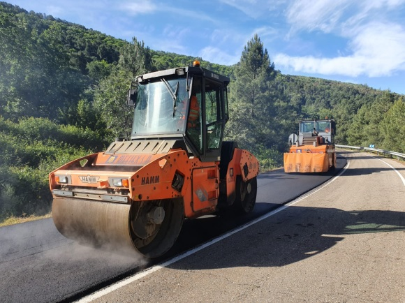 Las obras en las vías de acceso a San Martín de Trevejo terminarán a finales de mayo
