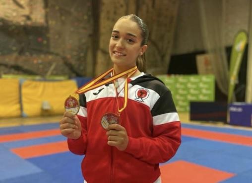 La almedralejense Paola García obtiene doble medalla en el Campeonato de España de Kárate