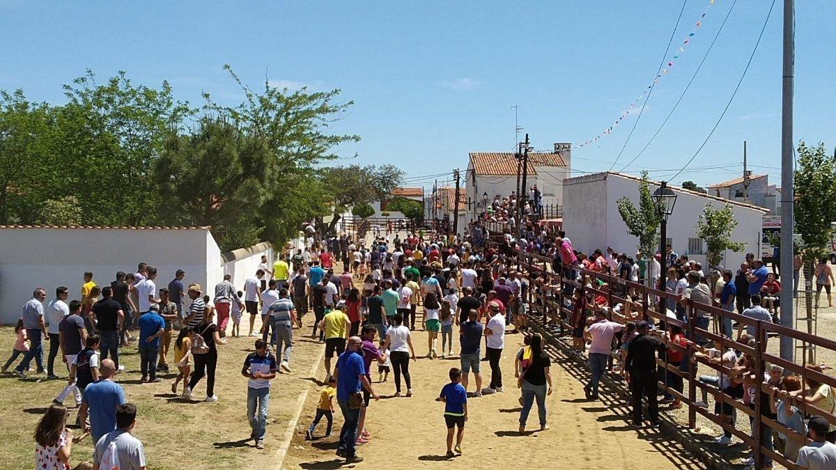 Puebla de Argeme celebra sus fiestas con actos religiosos y sin festejos taurios populares