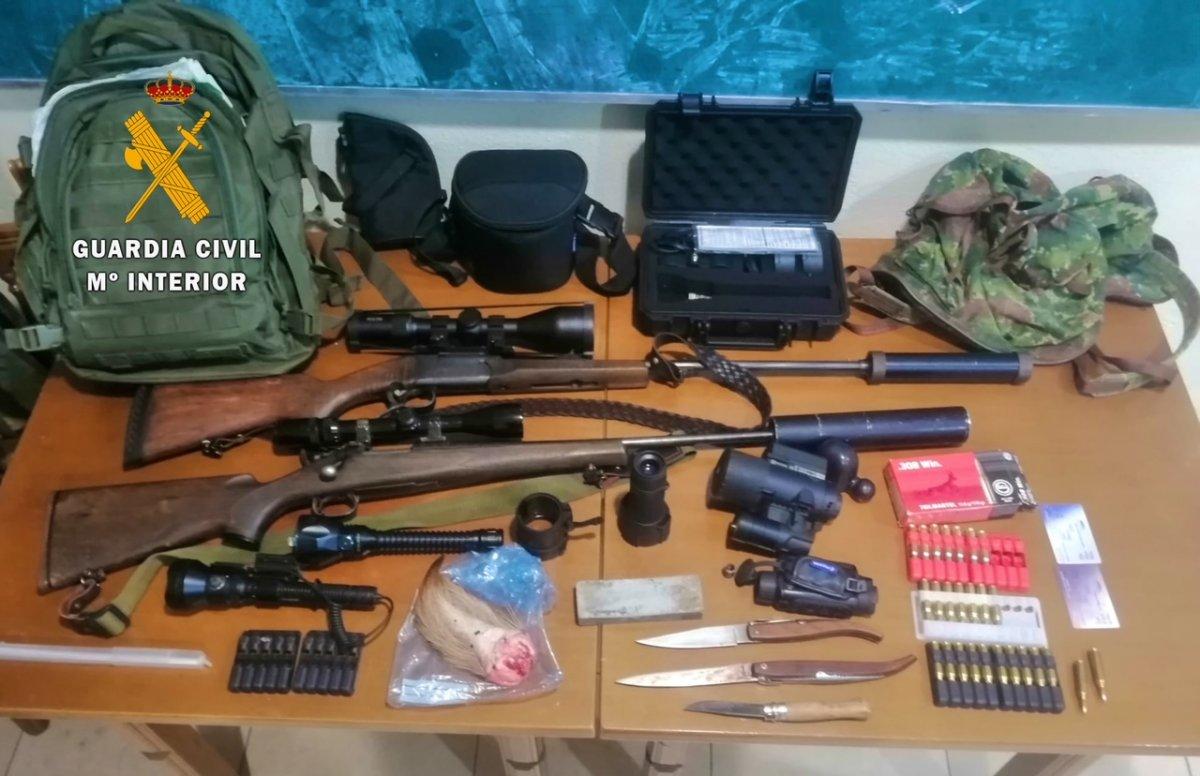 Detenidos dos vecinos de Plasencia acusados de cazar furtivamente en una finca de Serrejón