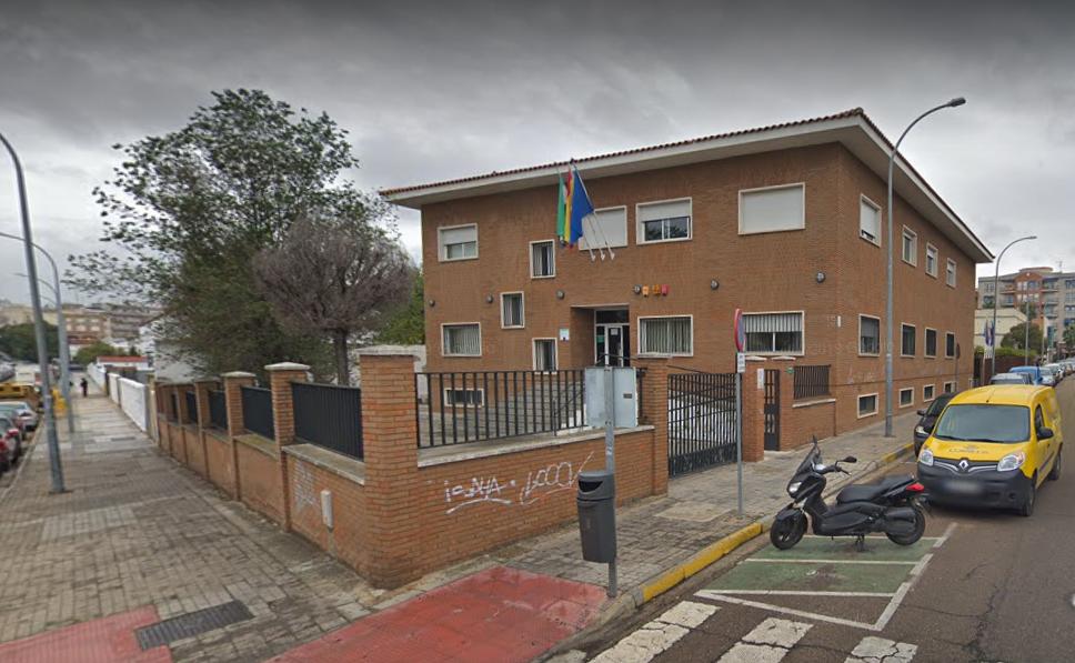 Roban en los servicios fiscales de la Junta en Badajoz tras hacer varios butrones en la pared