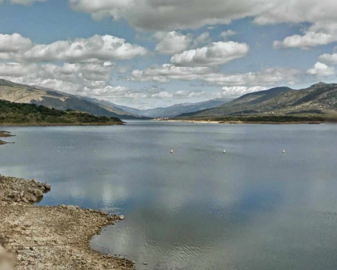La Guardia Civil investiga la muerte de un hombre que ha aparecido flotando sin vida en la presa de Plasencia