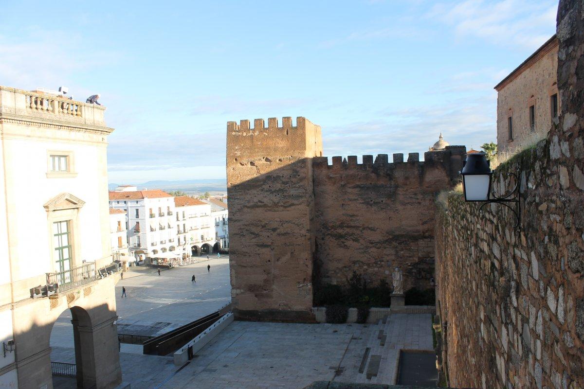 Cáceres celebrará la noche de San Juan con música y poesía en el Foro de los Balbos