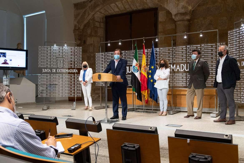 Extremadura invertirá 36 millones de euros para sacar de la crisis al comercio y la artesanía