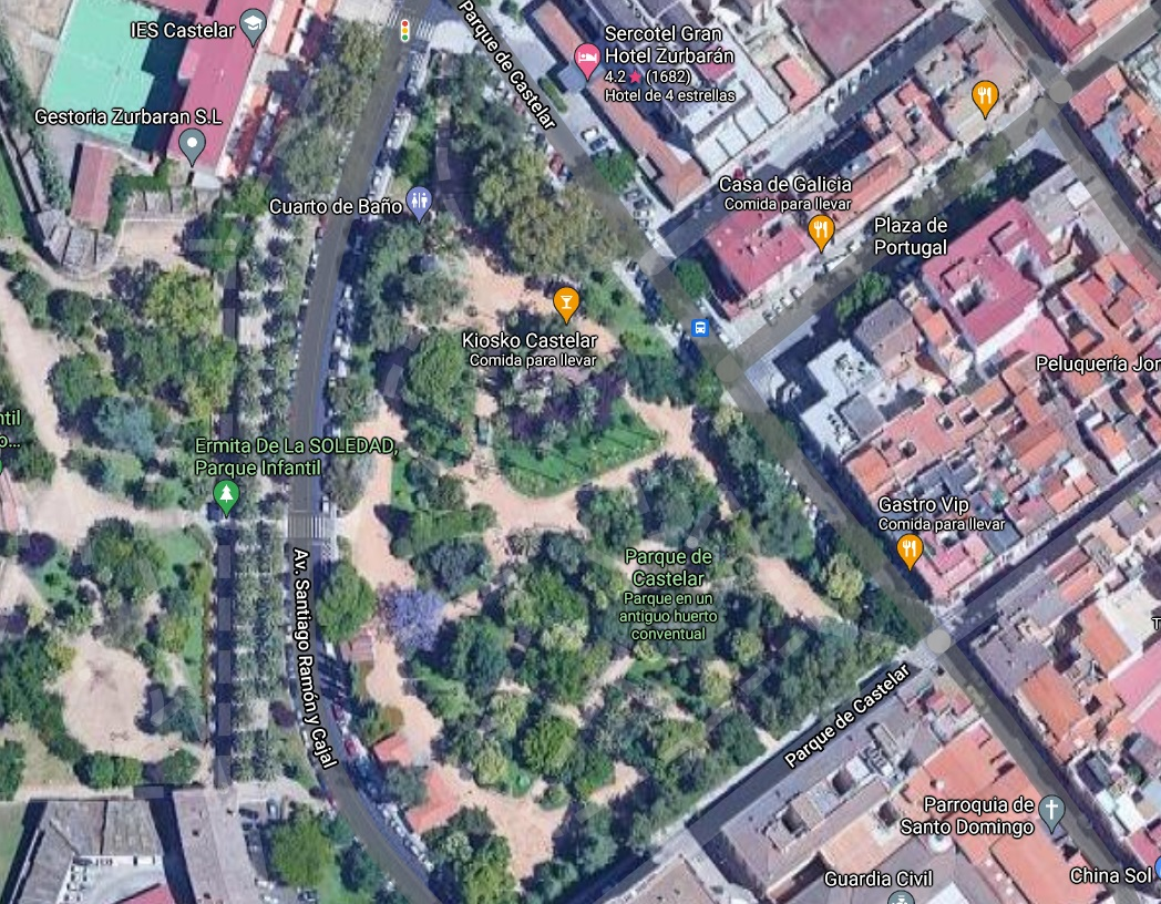 Un conductor atropella en el centro de Badajoz a una joven y a una menor de 14 años