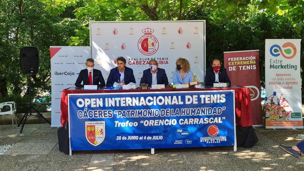 Cien tenistas participarán este verano en el Open Cáceres Patrimonio de la Humanidad