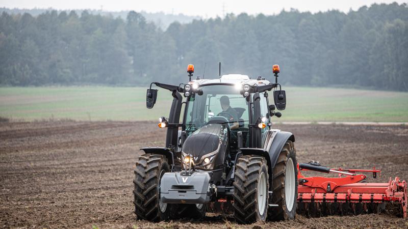 Piden más presupuesto para el plan renove de tractores tras agotarse la partida en una hora y 10 minutos