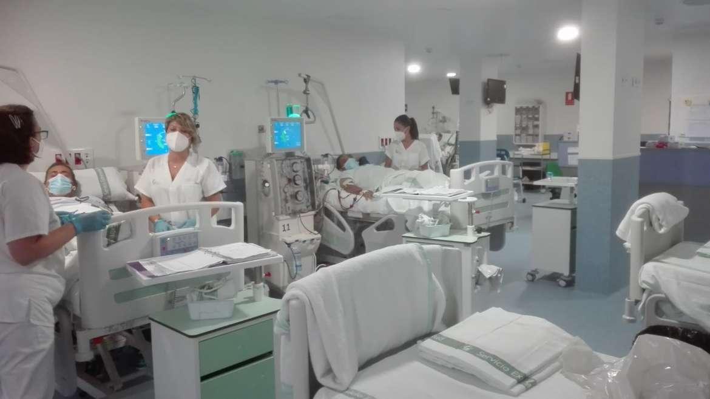 La mejora de los hospitales de Llerena y Zafra permitirá realizar 14.100 sesiones de hemodiálisis al año