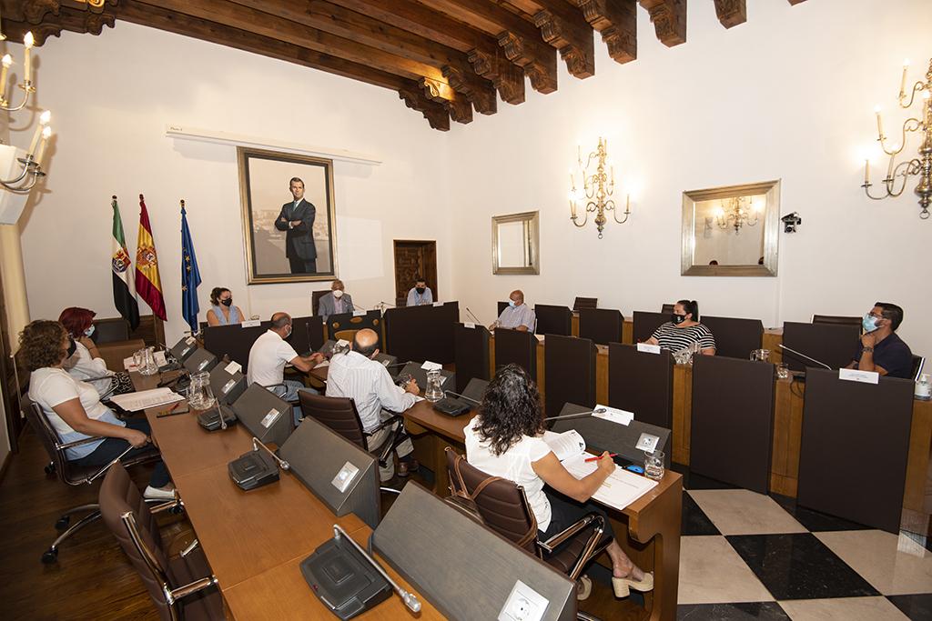 Diputación firma un protocolo con mancomunidades para mantener las oficinas comarcales de vivienda