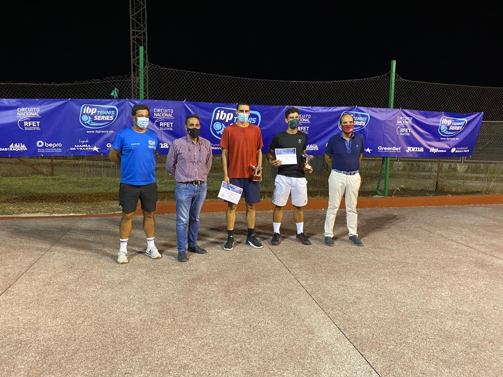 Un tenista madrileño se proclama ganador del V Torneo Nacional de Tenis IBP Villa de Navalmoral