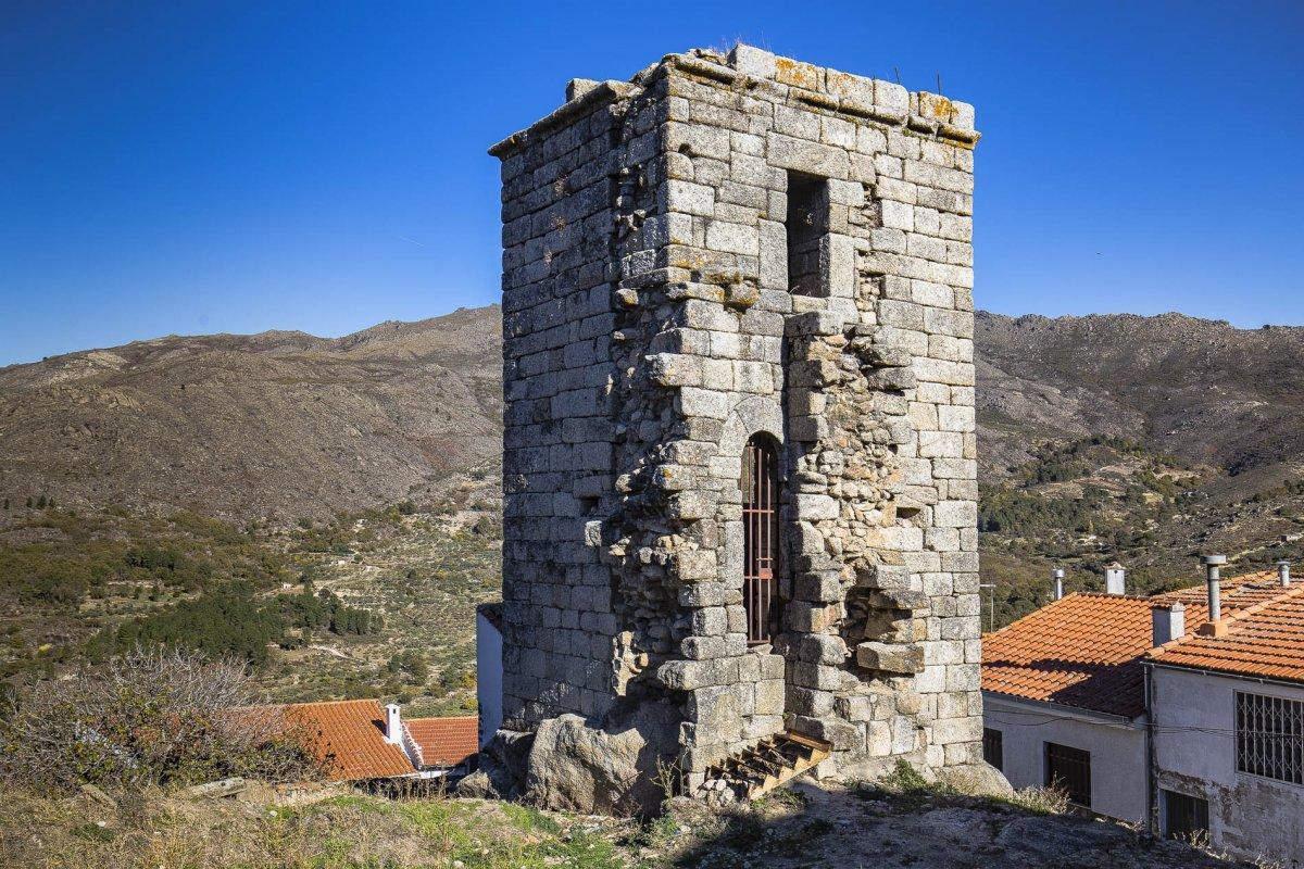 Culmina la adecuación e interpretación del recinto del castillo de Eljas