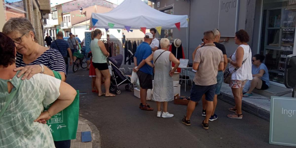 Las tiendas de Moraleja expondrán sus mejores productos en la calle este verano
