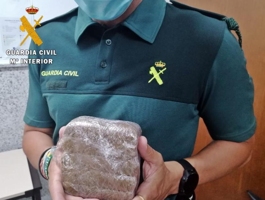 La Guardia Civil investiga a cuatro vecinos de Almendralejo por tráfico de drogas