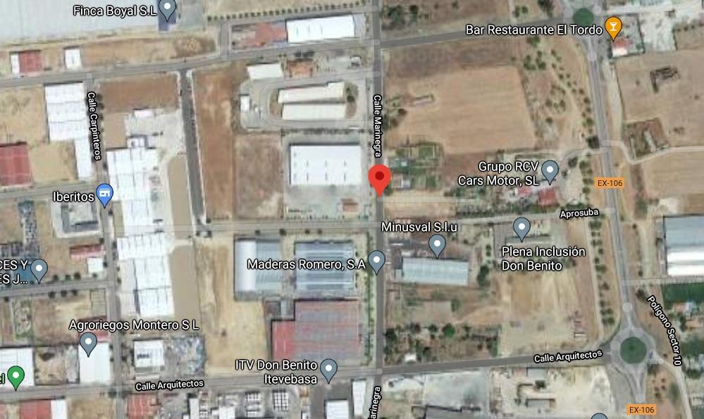 Una mujer de 50 años resulta herida grave en un accidente laboral  en Don Benito