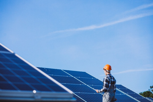 La planta fotovoltaica de Repsol en Valdecaballeros comienza a producir electricidad