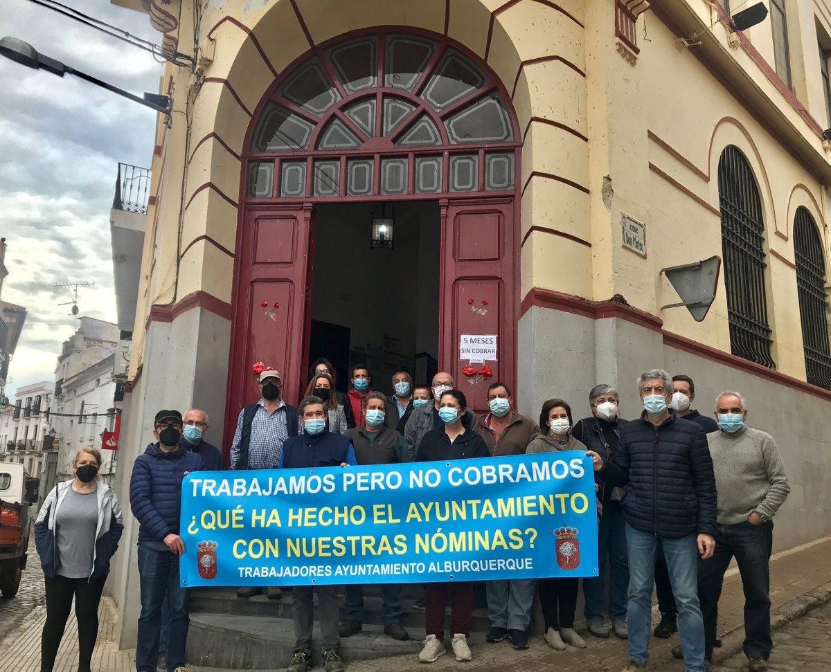 CCOO exige al Ayuntamiento de Alburquerque el pago de las nóminas de sus trabajadores