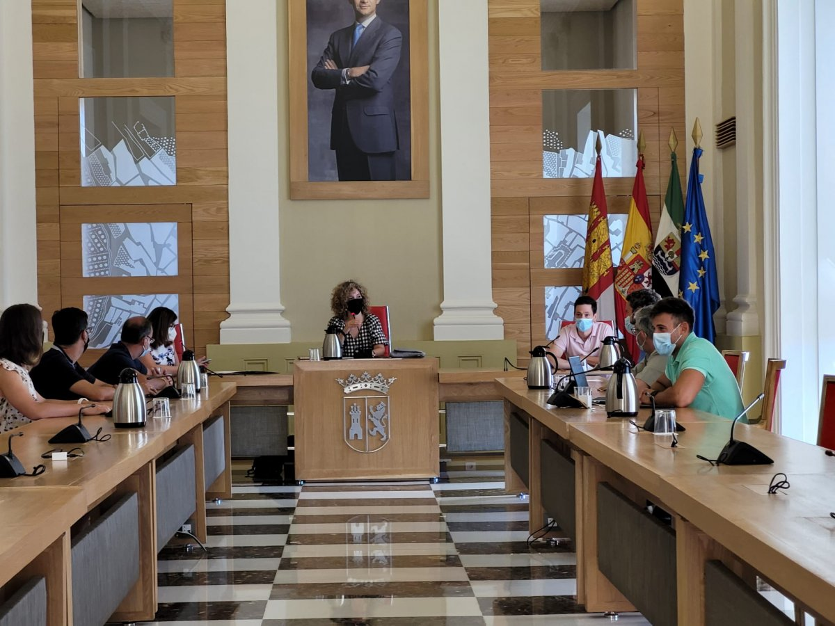 Las escuelas deportivas de Cáceres comenzarán en noviembre e incluirán clases de ajedrez